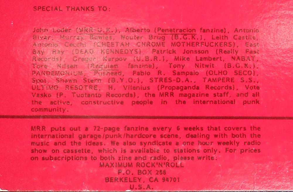 Agradecimientos del disco en los que figuran, entre otros, Alberto ( Penetración ) y Último Resorte (con errata: «Ultimo Resotre»)