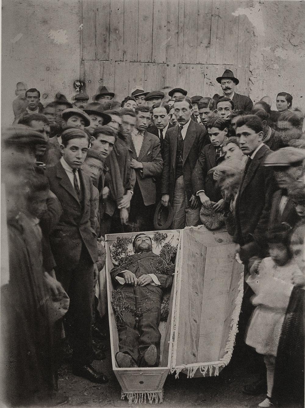 Collado. El novillero Enrique Pérez Ferrando muerto en la plaza de toros de Albacete, agosto de 1919