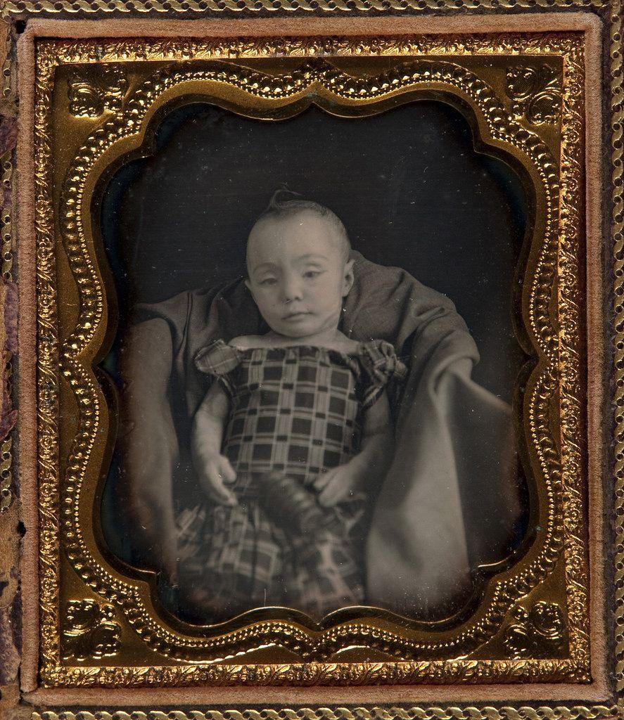 Retato de un bebé fallecido