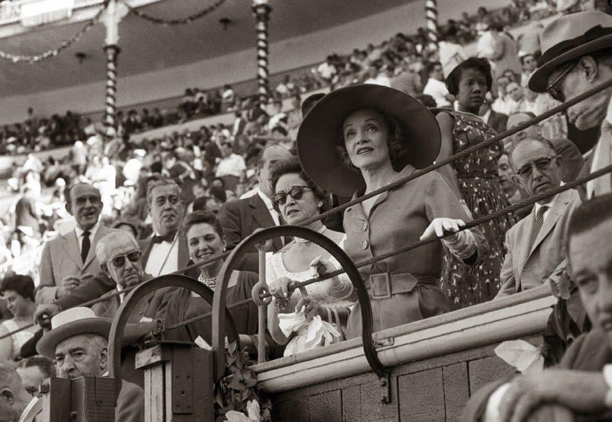 Dietrich en una corrida de toros en Las Ventas. Fotografía: Getty Images