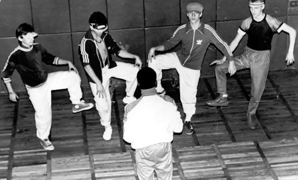 Un grupo de b-boys soviéticos en 1987