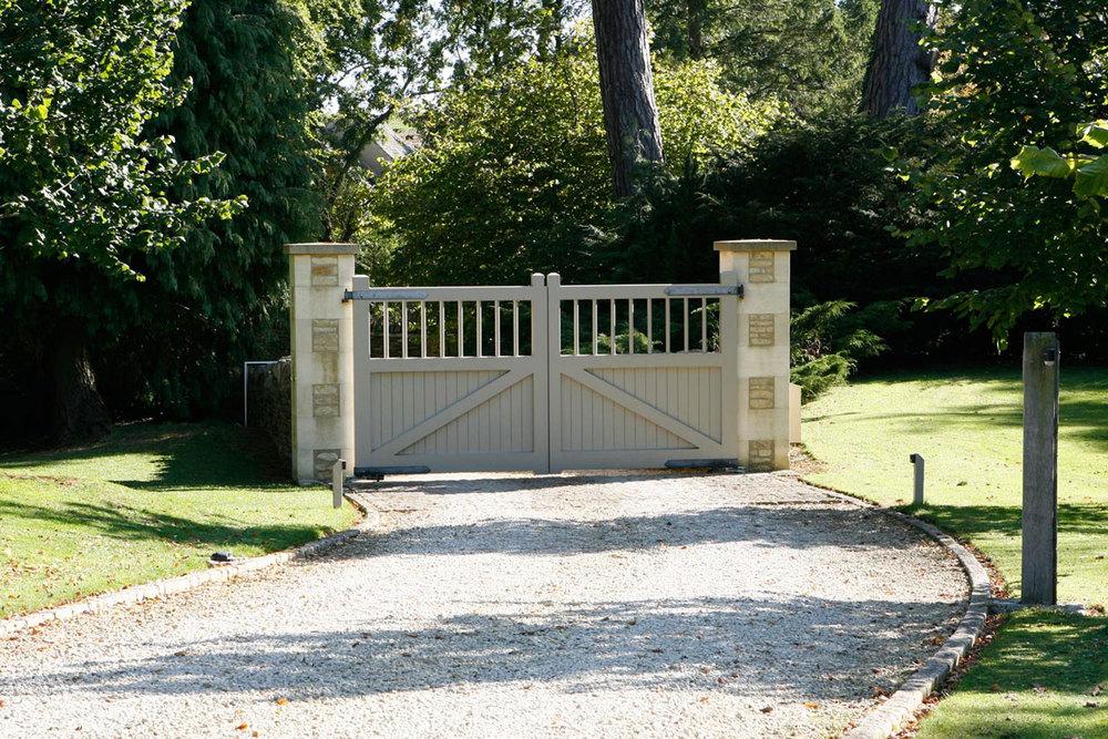 CherwellHouse-Gate.jpg