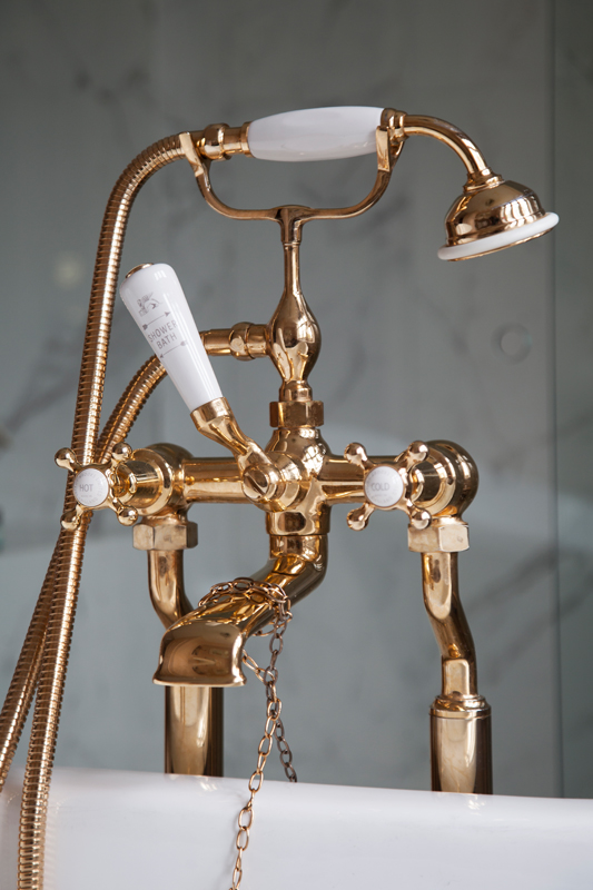 Brass bath mixer tap