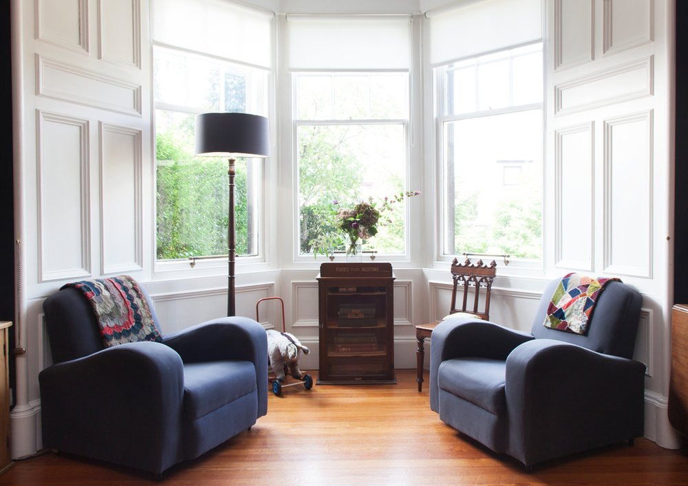 Living room windows in Farrow & Ball Pointing/Photo: Susie Lowe