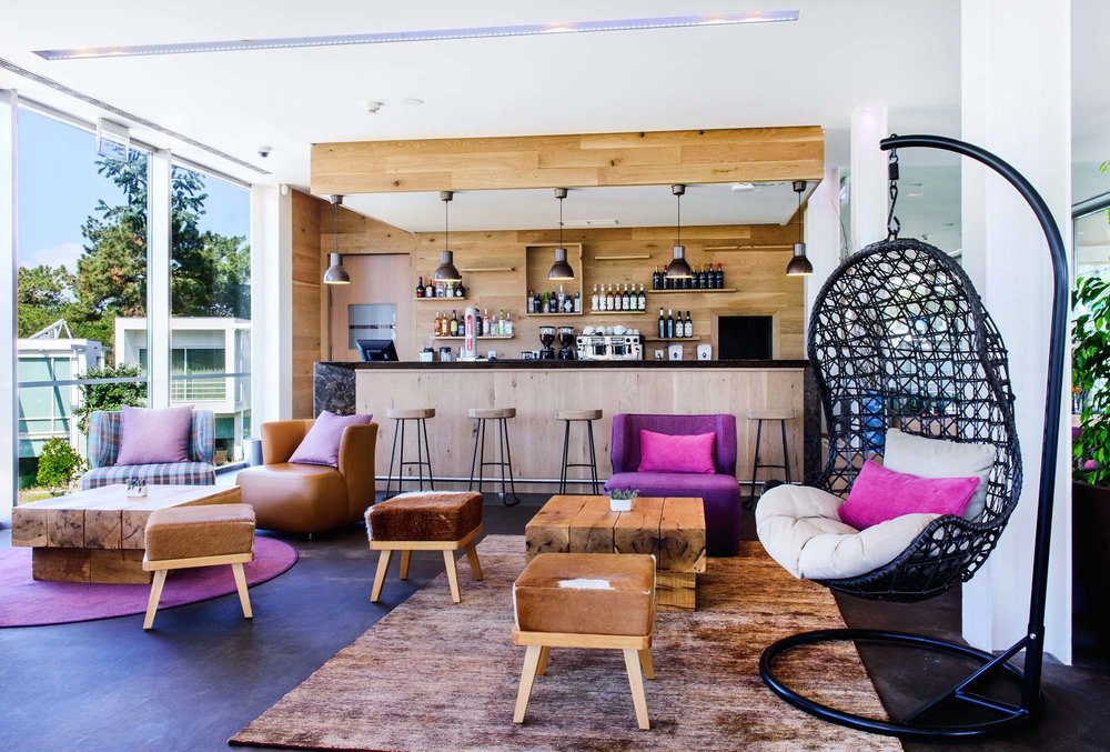 M Bar: booze, pink, and a seat that swings. What more you you ask for?