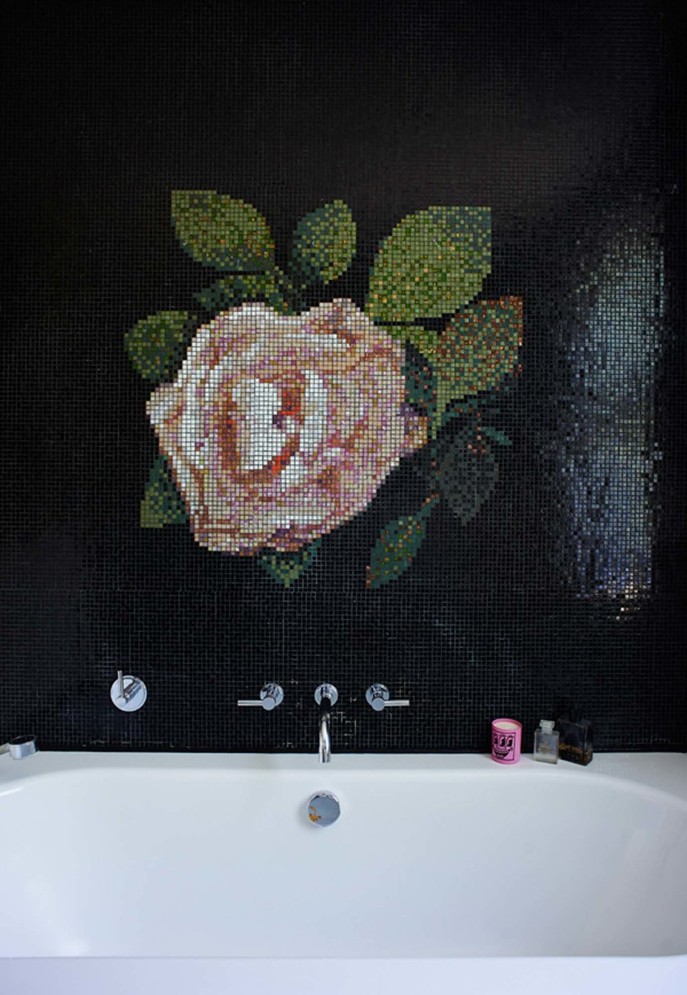 The flower mosaic in Zoe's bathroom