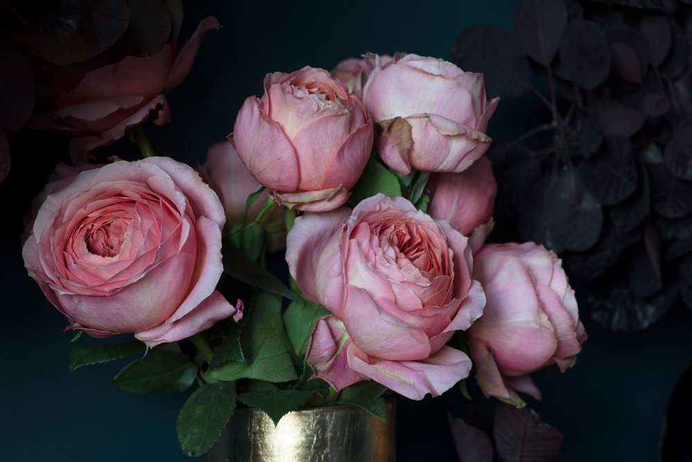Pale pink roses as Christmas decorations