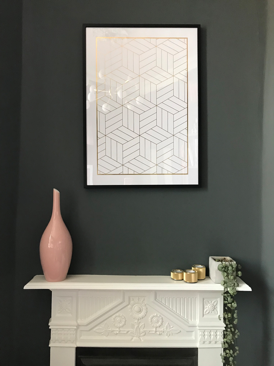 Manteldecor and how to hang art at home