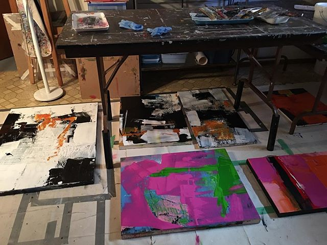 Things have been heating up here #hunkerdowninthestudio  #gettingitout #boldpaintings #goforthegusto