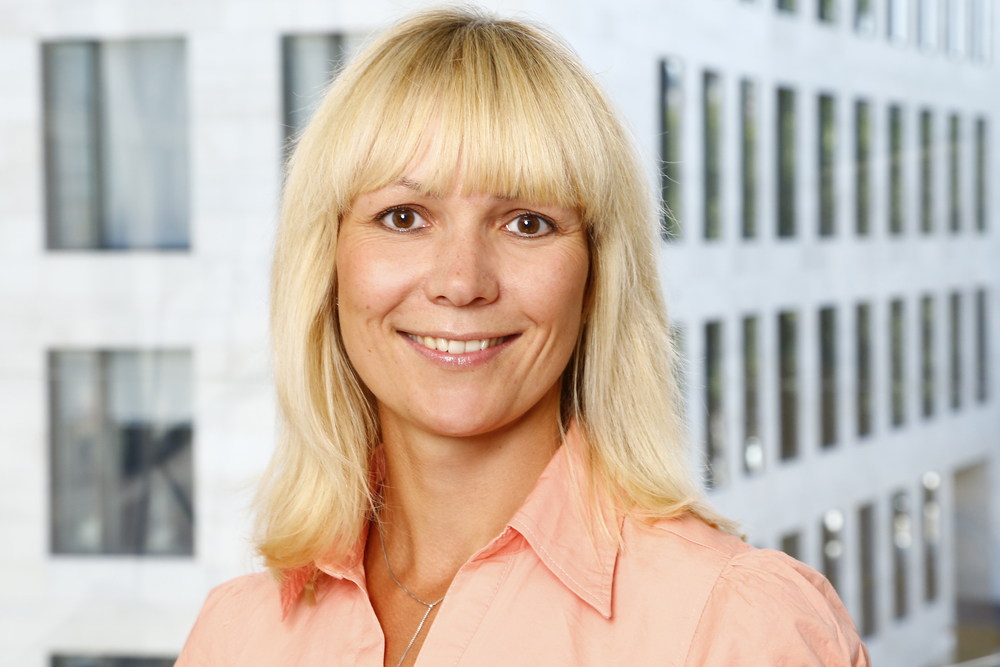 Katja Schön    Rechnungs- und Vertragswesen, Controlling