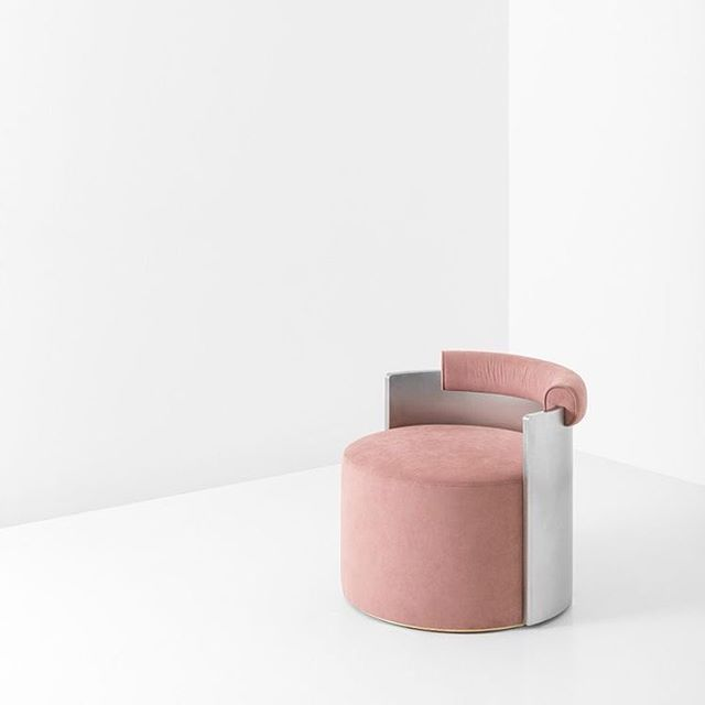 Dimore Studio - Poltrona Frau.- #pinkandgrey #furniture #chair #dimorestudio #poltronafrau