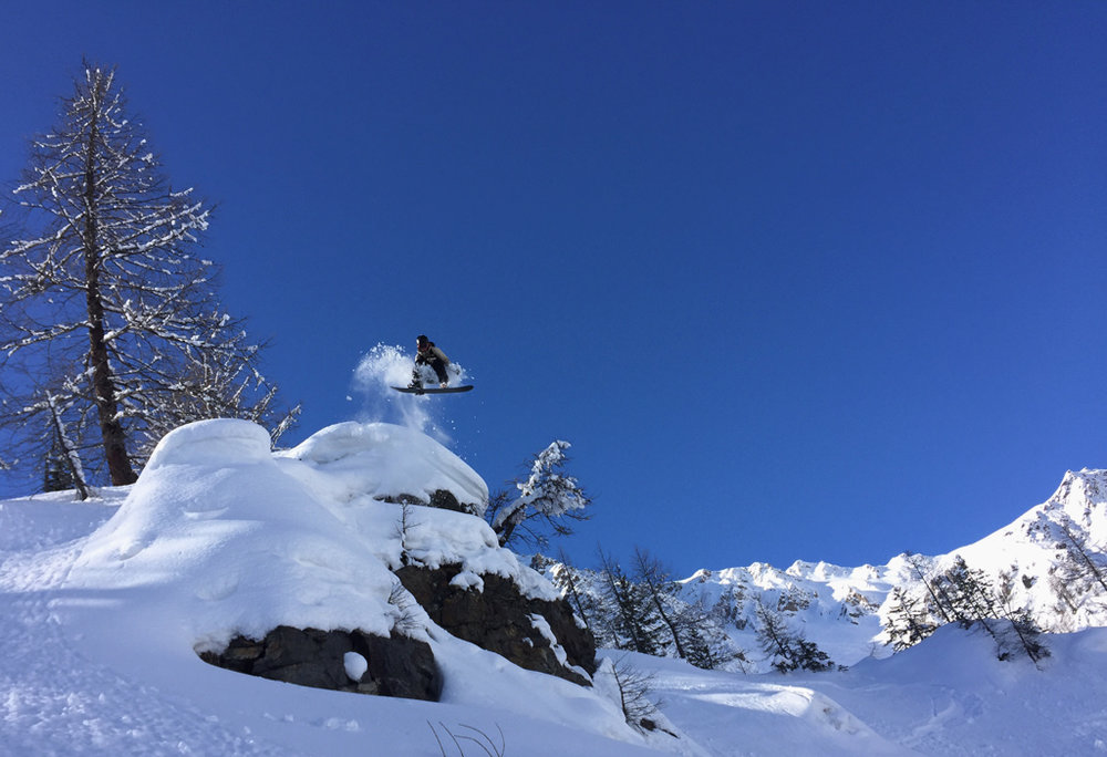 Henrik Auestad taking flight on the Freeride in Courmayeur, Italy.