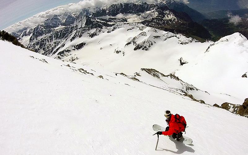 Splitboarding-Snowboarding-Mountaineering.jpg