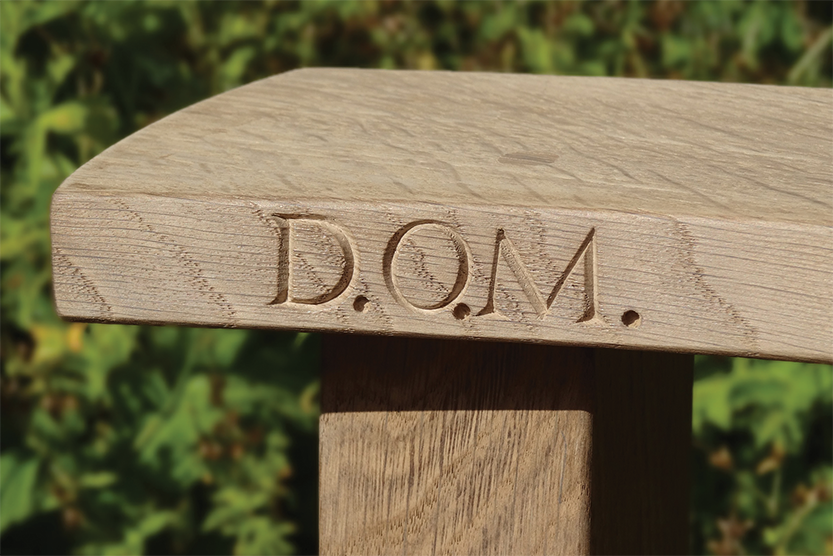 Why not add a personalised message with our carving and plaque options. Whether it be a family name, or a Moto, Initials, or perhaps a message to a loved one.
