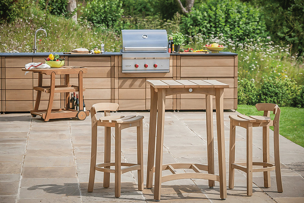 A la Carte Outdoor Kitchen with Sub Zero Wolf Grill and Fridge