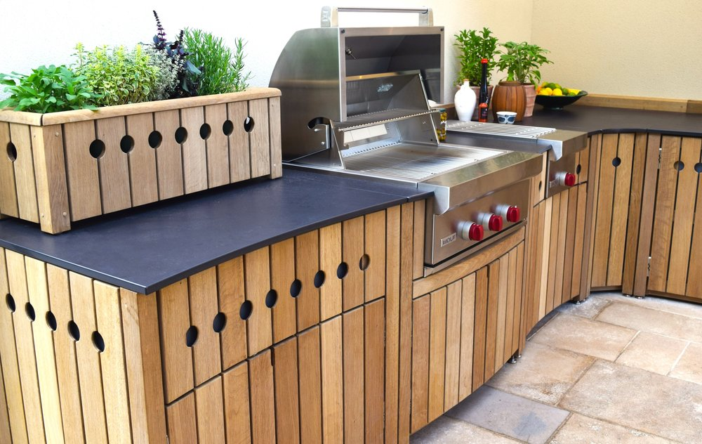 Gaze Burvill Curved Outdoor Kitchen