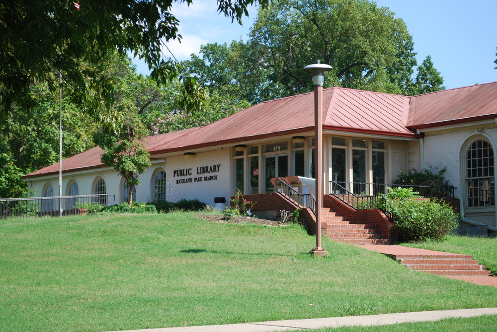 Richland Park Library.jpg