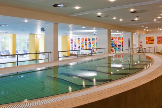 aurora-hotel-pool.jpg