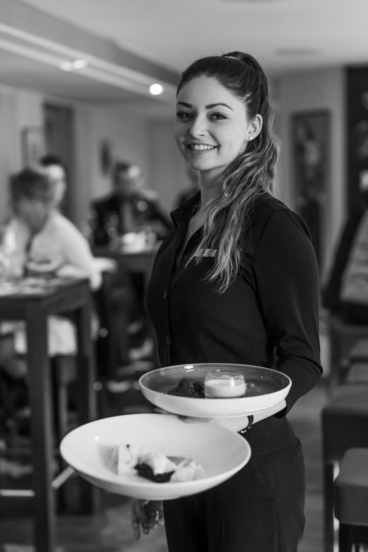 Corinne Willi /  Service