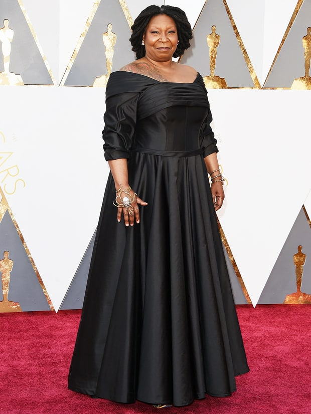 Whoopi Goldberg gave us retro glam wearing a dress made by the Dames of New York. This was her first appearance at the Oscars in 25 years! She wore a dress inspired by the dress actress Bette Davis wore in All About Eve. Whoopi also wore some insanely dope accessories which made her overall look both edgy and chic.