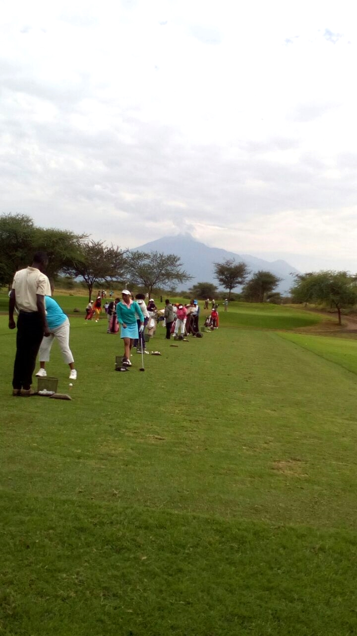 Ladies_golf_kiligolf_driving_range.jpg