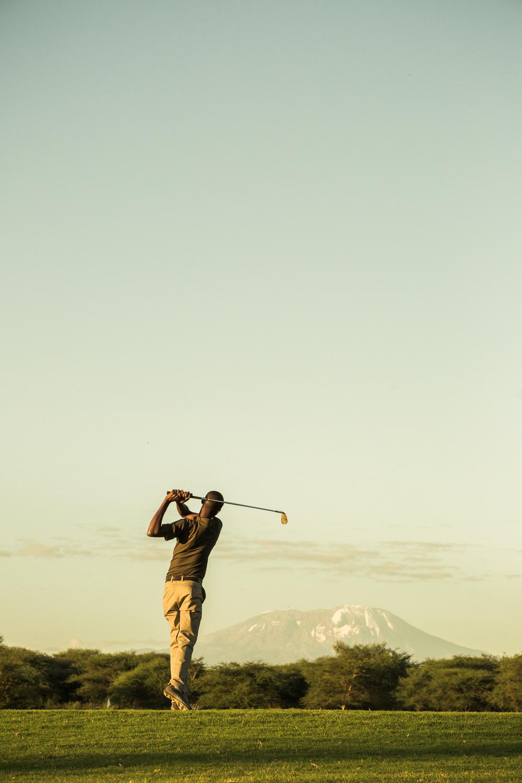 Mt Kilimanjaro_kiligolf_golfer_sunset_driving range.jpg