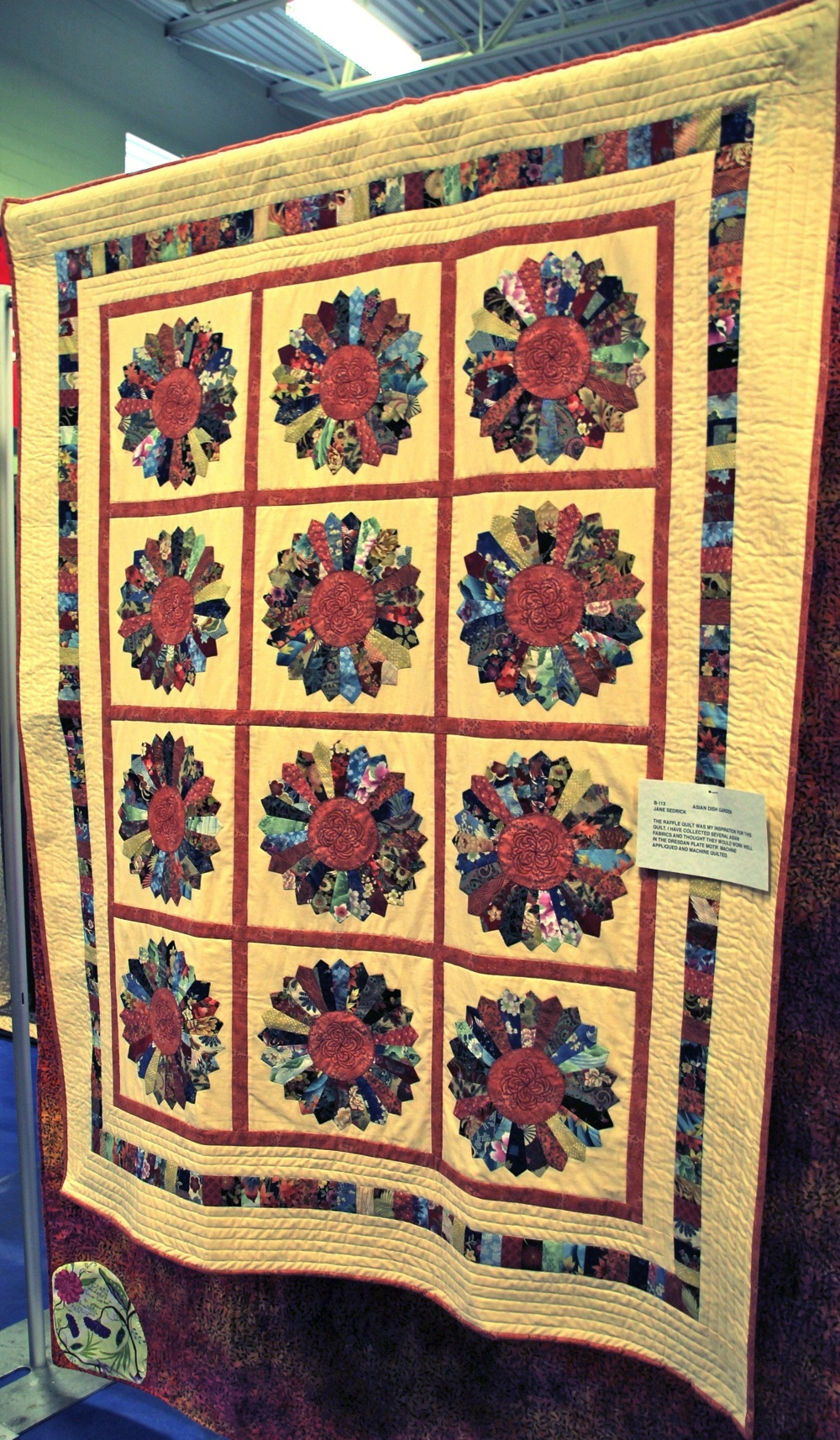 Bedford Friendship Quilters Guild, May, 2012 010.jpg