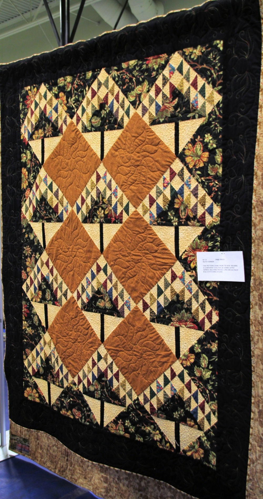 Bedford Friendship Quilters Guild, May, 2012 014.jpg