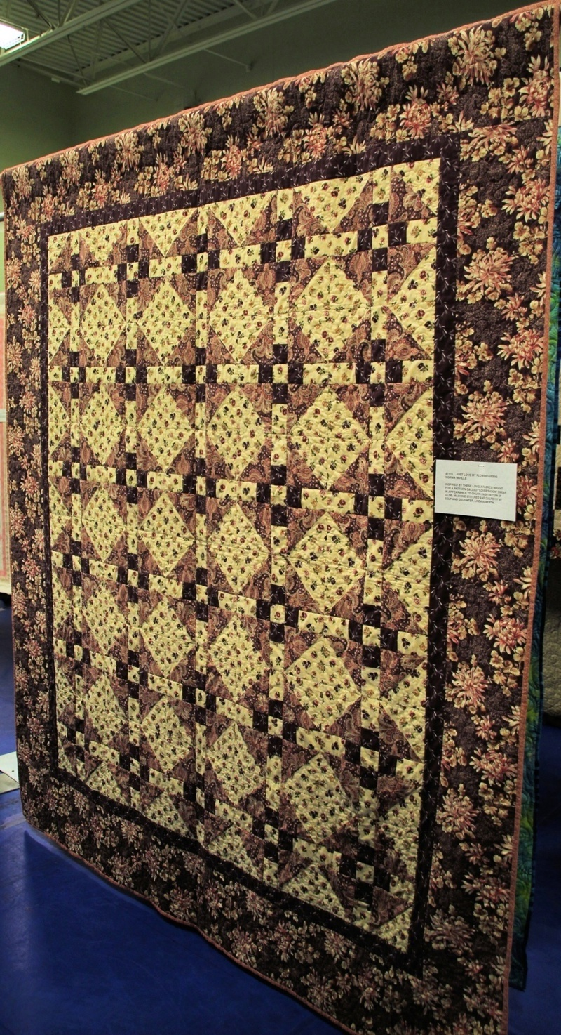 Bedford Friendship Quilters Guild, May, 2012 018.jpg