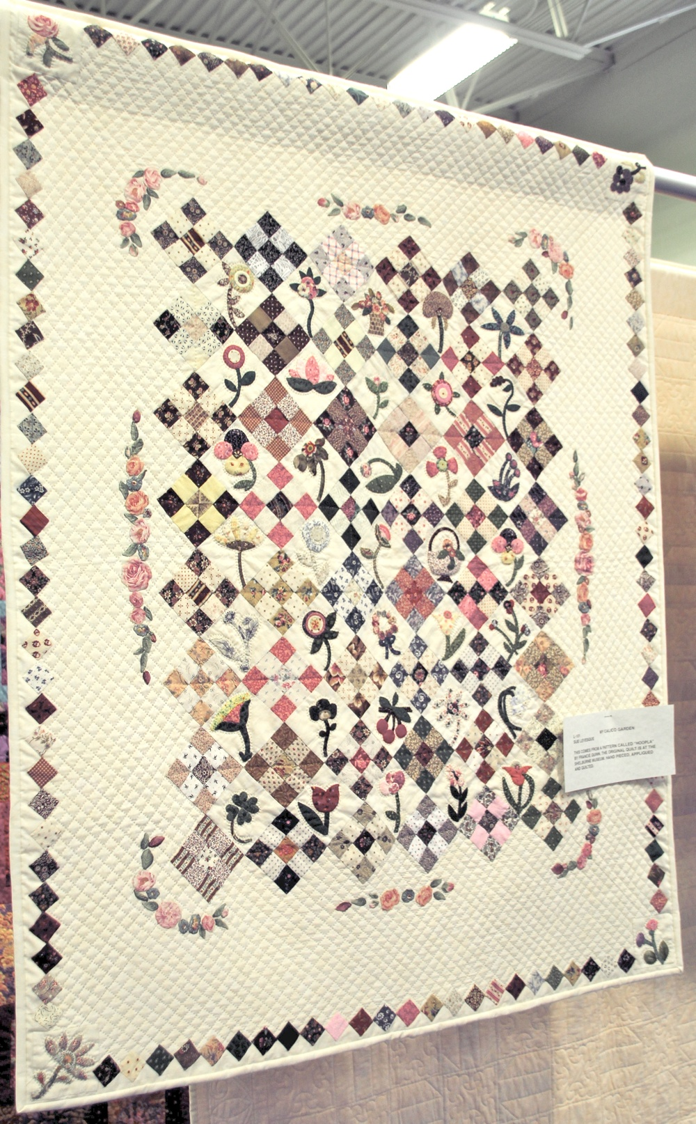 Bedford Friendship Quilters Guild, May, 2012 029.jpg