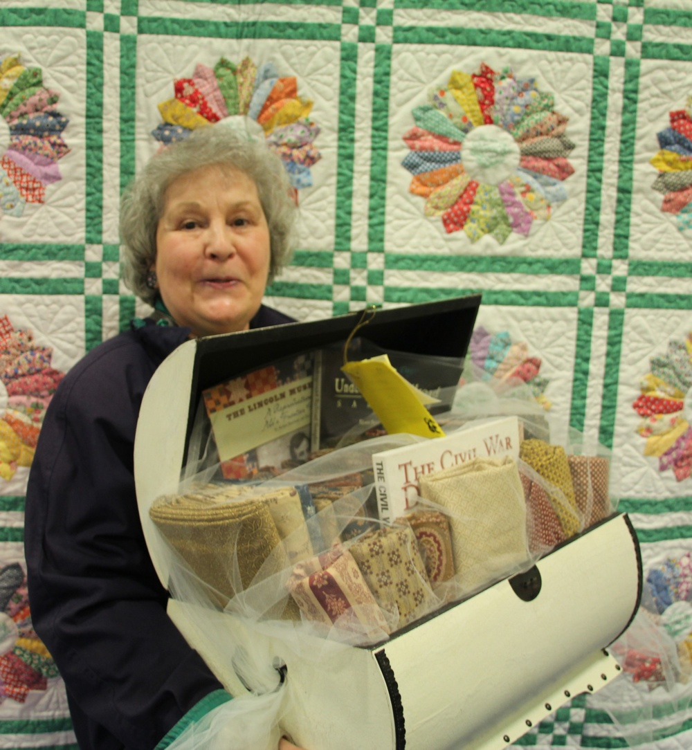 Bedford Friendship Quilters Guild, May, 2012 172.jpg