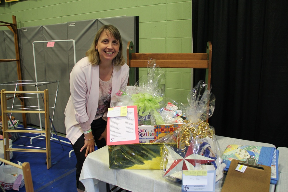 Bedford Friendship Quilters Guild, May, 2012 179.jpg