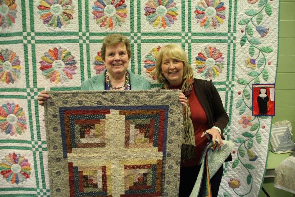 Bedford Friendship Quilters Guild, May, 2012 176.jpg