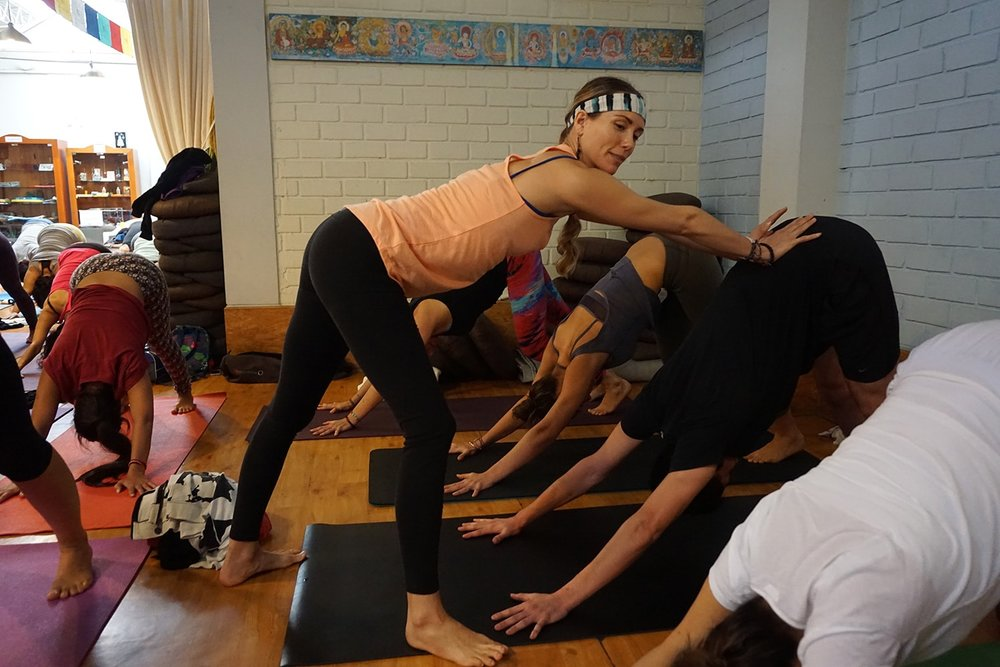 yogatera-min.jpg