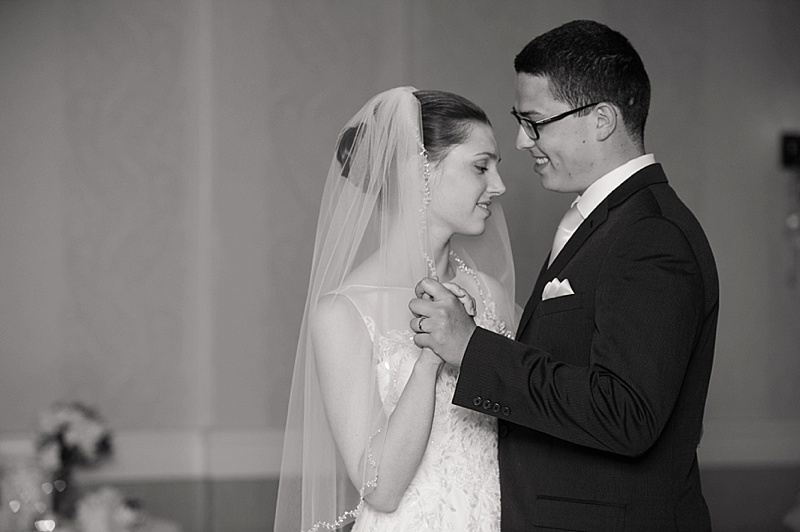 pittsford-del-monte-lodge-wedding-photos-by-tressa-marie-photography-0097.jpg
