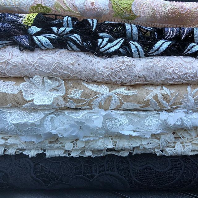 So hard to pick which lace from @promenadefabrics to start sewing with next....#capelets  #lace #alecon #guipure #handsewn #couture #embroidery