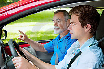 teenager-learning-to-drive-20819353.jpg