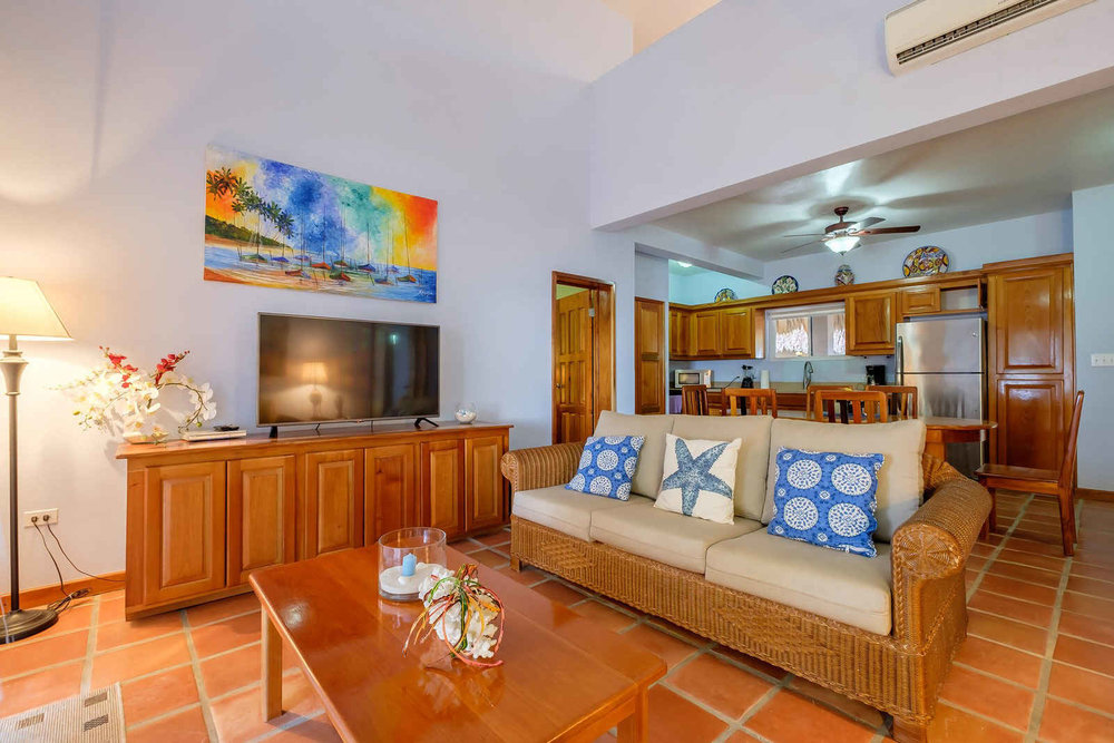 Sapphire-Beach-2-bedroom-2-bath-with-loft-11.jpg
