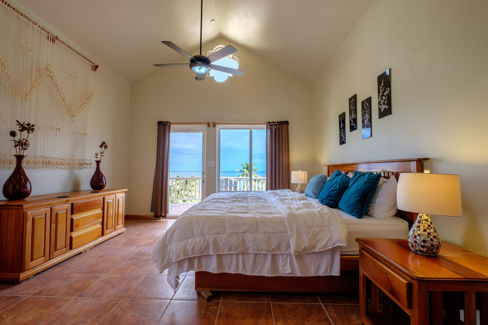 Sapphire-Beach-3-Bedroom-Penthouse-16.jpg