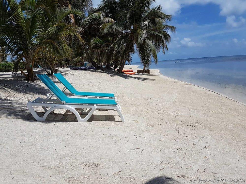 Sapphire Resort Beach 17.jpg