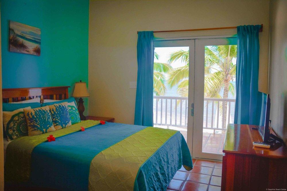 Sapphire Belize 08.jpg