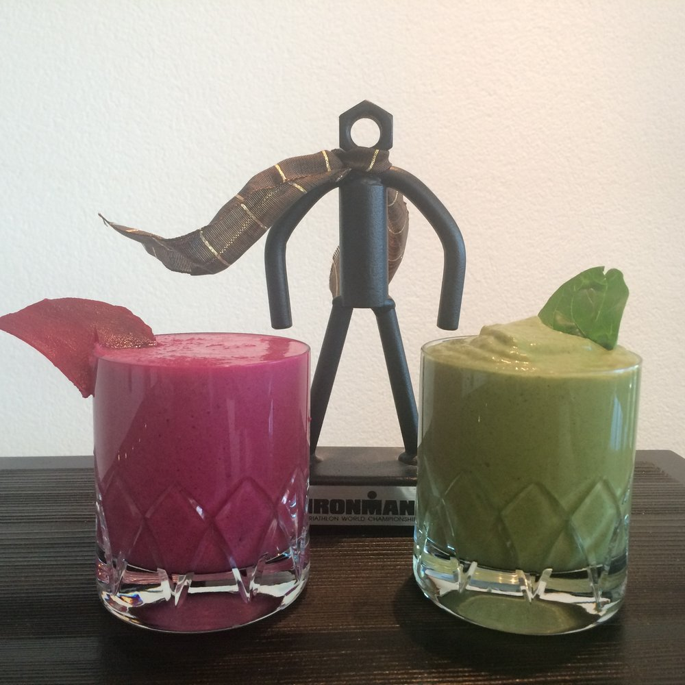 "Perfect Duo for Iron People. ""Can´t beet me"" pre-workout & ""Green recovery bomb"" smoothies."