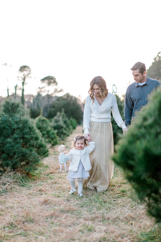 NikkiSanterrePhotography_ChristmasTreeFarmFamilySession_Hoffmeister-70.jpg