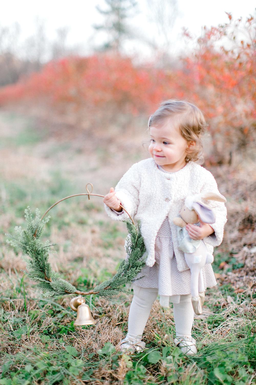 NikkiSanterrePhotography_ChristmasTreeFarmFamilySession_Hoffmeister-63.jpg