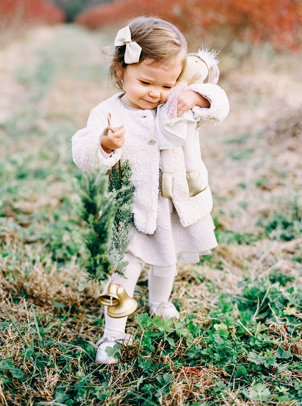 NikkiSanterre_VirginiaFilmMotherhoodPhotographer_NikkiChristmasFilm-29.jpg