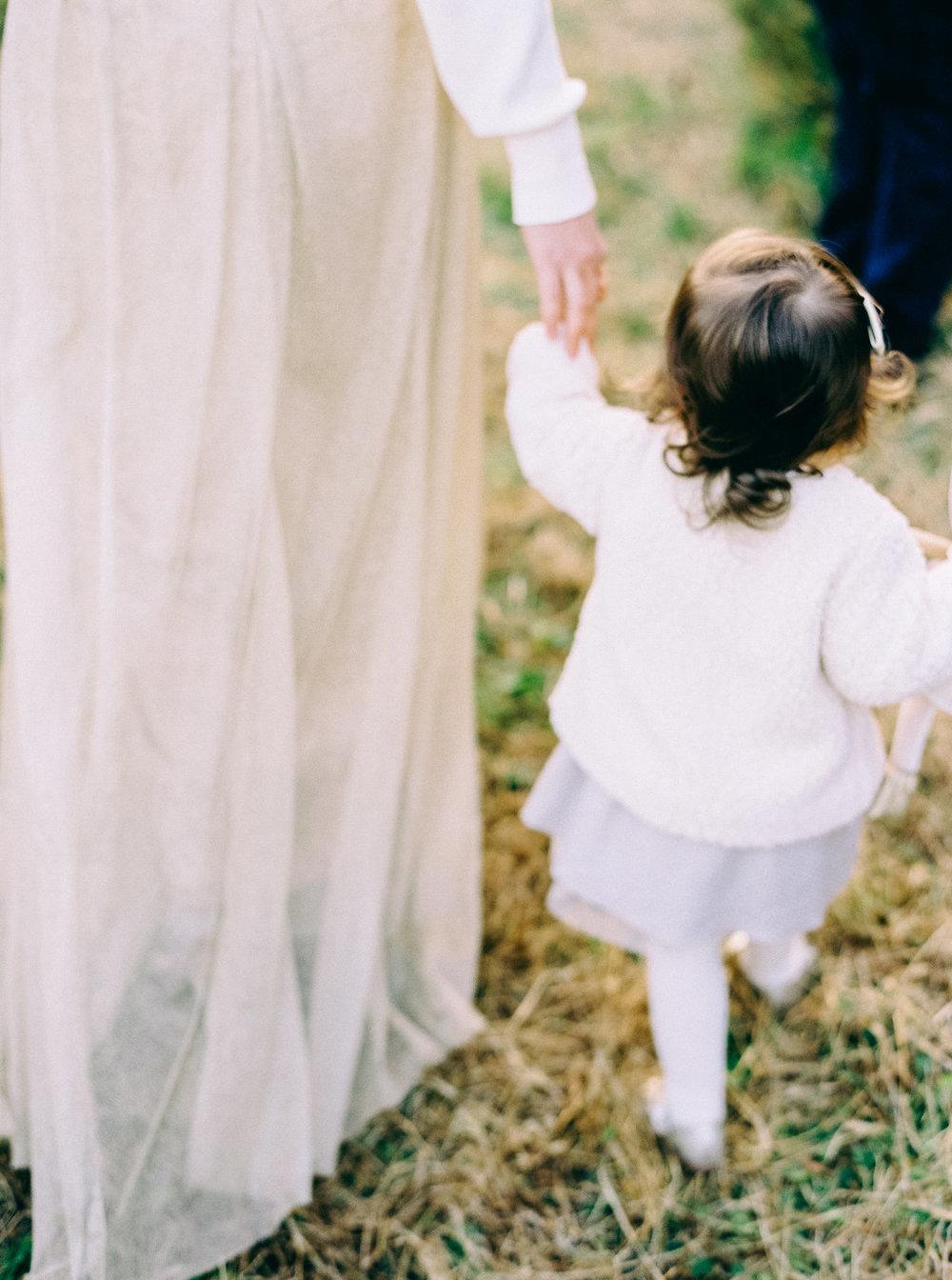 NikkiSanterre_VirginiaFilmMotherhoodPhotographer_NikkiChristmasFilm-40.jpg