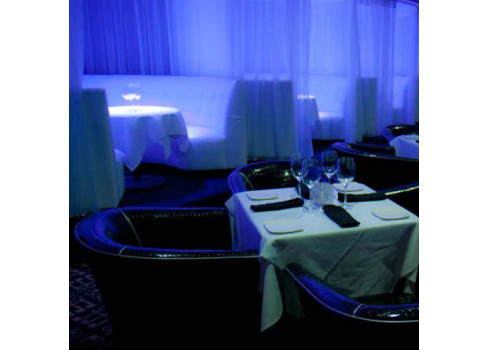 Gentlemens-Club-Dining-booths-487x350.jpg