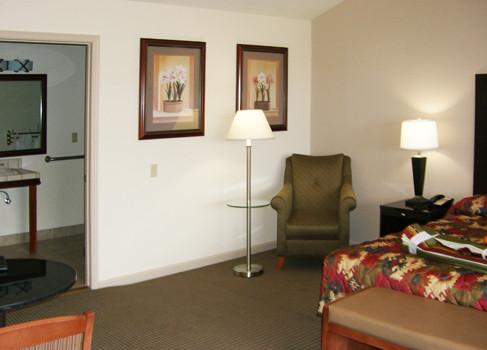 Jackson-Rancheria-guest-room-487x350.jpg