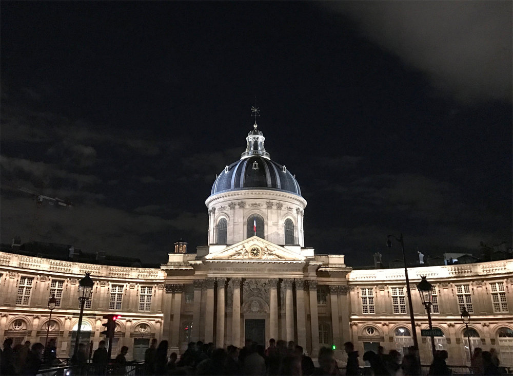 Institute de France looks so lovely at night!