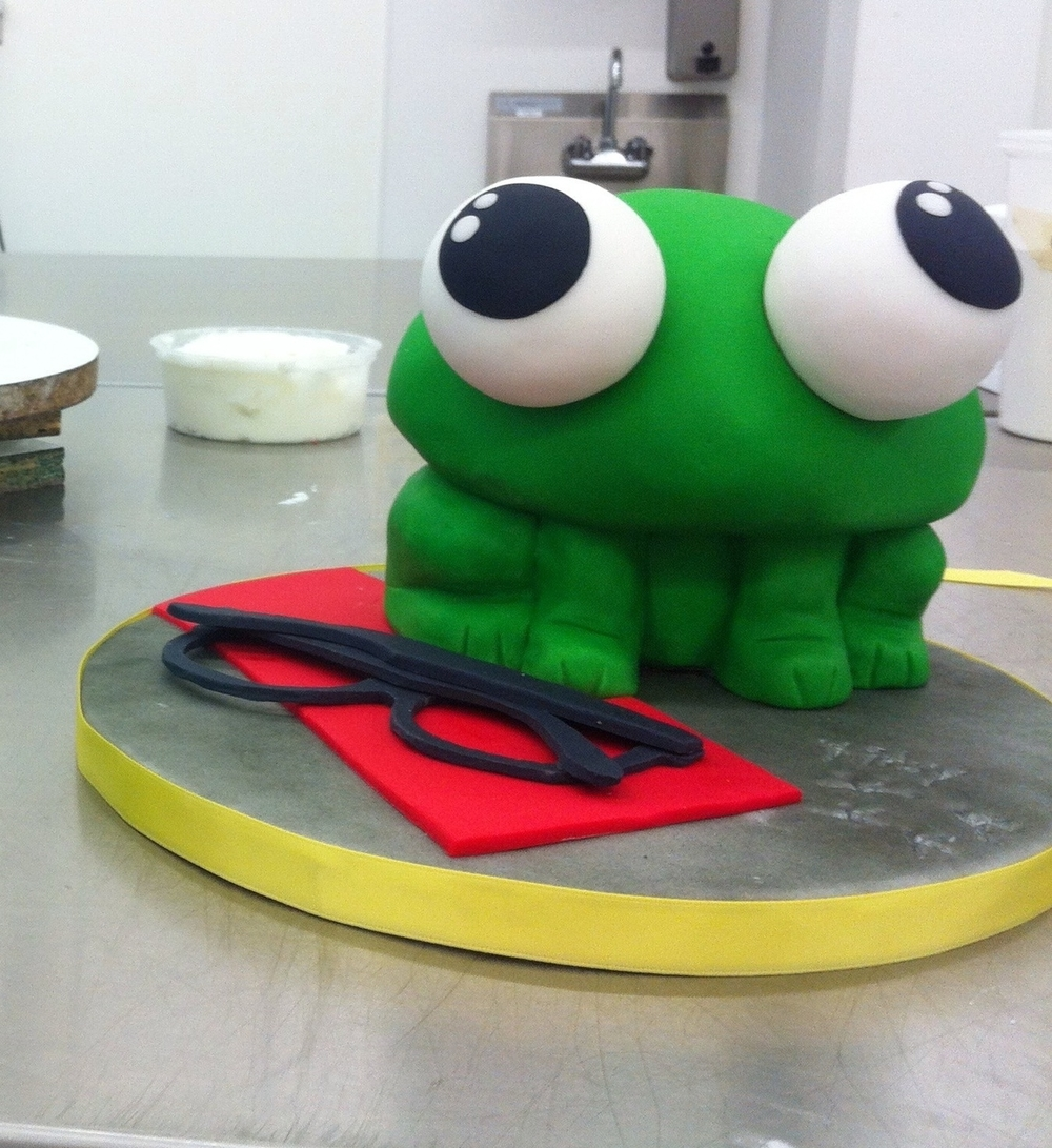 Sculpted frog Birthday cake